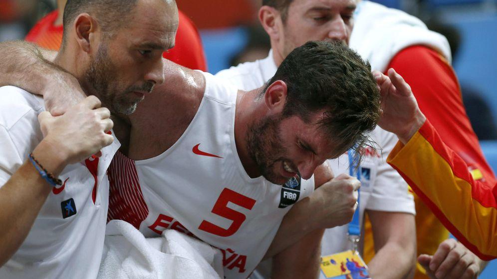 Foto: Rudy Fernández, en el momento de abandonar la final ante Lituania (Efe).