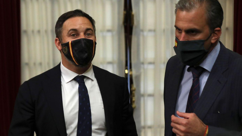 Santiago Abascal y Javier Ortega Smith, en el Congreso. (EFE)