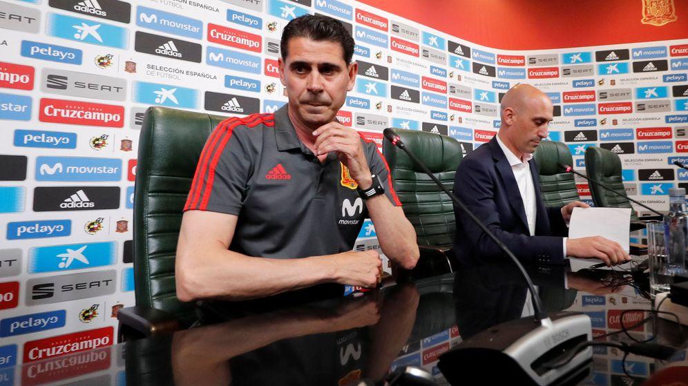 Foto: Hierro y Rubiales, en una conferencia de prensa. (Reuters)