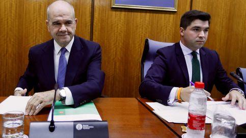 Chaves se marcha del Parlamento tras denunciar que se rompe la neutralidad