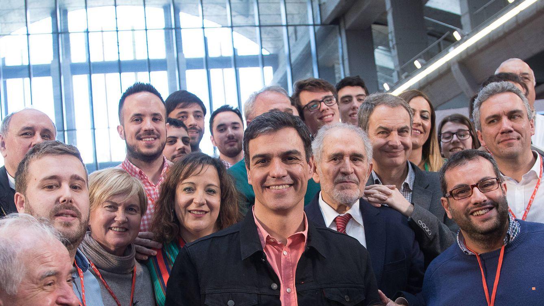 Los ex del PSOE que sí respaldan a Sánchez