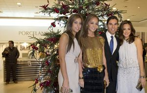 Foto: Isabel Preysler y tres de sus hijos inauguran la Navidad en Oviedo