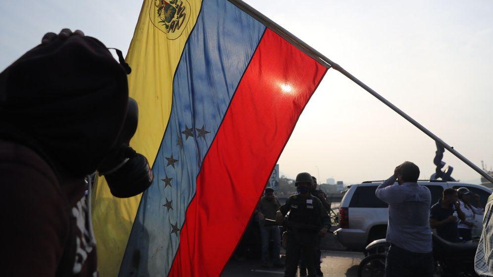 Foto: Incidentes en la base de La Carlota en Caracas (EFE)