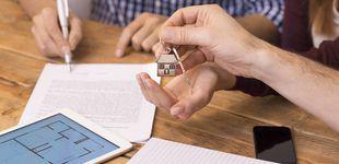 Post de ¿Puedo prestar dinero a mi hija para comprar casa mientras vende la suya?