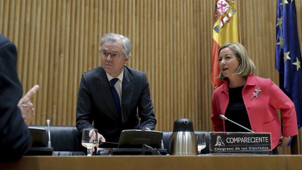 Foto: Sebastián Albella, presidente de la CNMV, en su comparecencia en la comisión de la crisis financiera. (EFE)