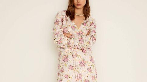 Estás a tiempo de comprar el vestido de flores de Mango Outlet que arrasó el año pasado