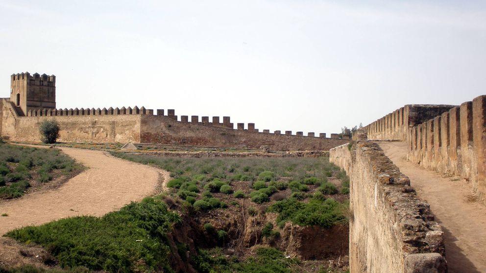 Herido grave un hombre de Badajoz que cayó desde la muralla al huir de los agentes