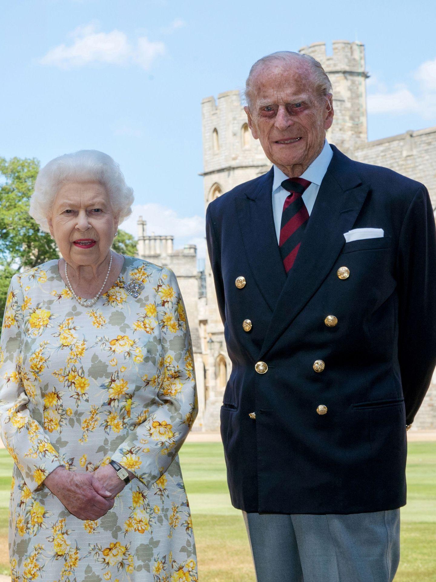 La reina Isabel y el príncipe Felipe, en Windsor. (Reuters)
