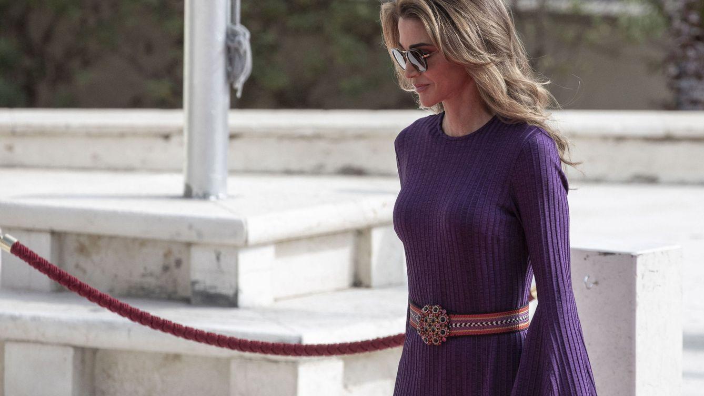 Rania de Jordania y el vestido reciclado con el que eclipsa el debut de su hijo pequeño