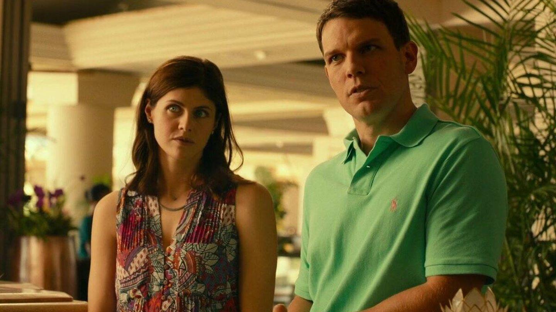 Alexandra Daddario y Jake Lacy. (HBO)
