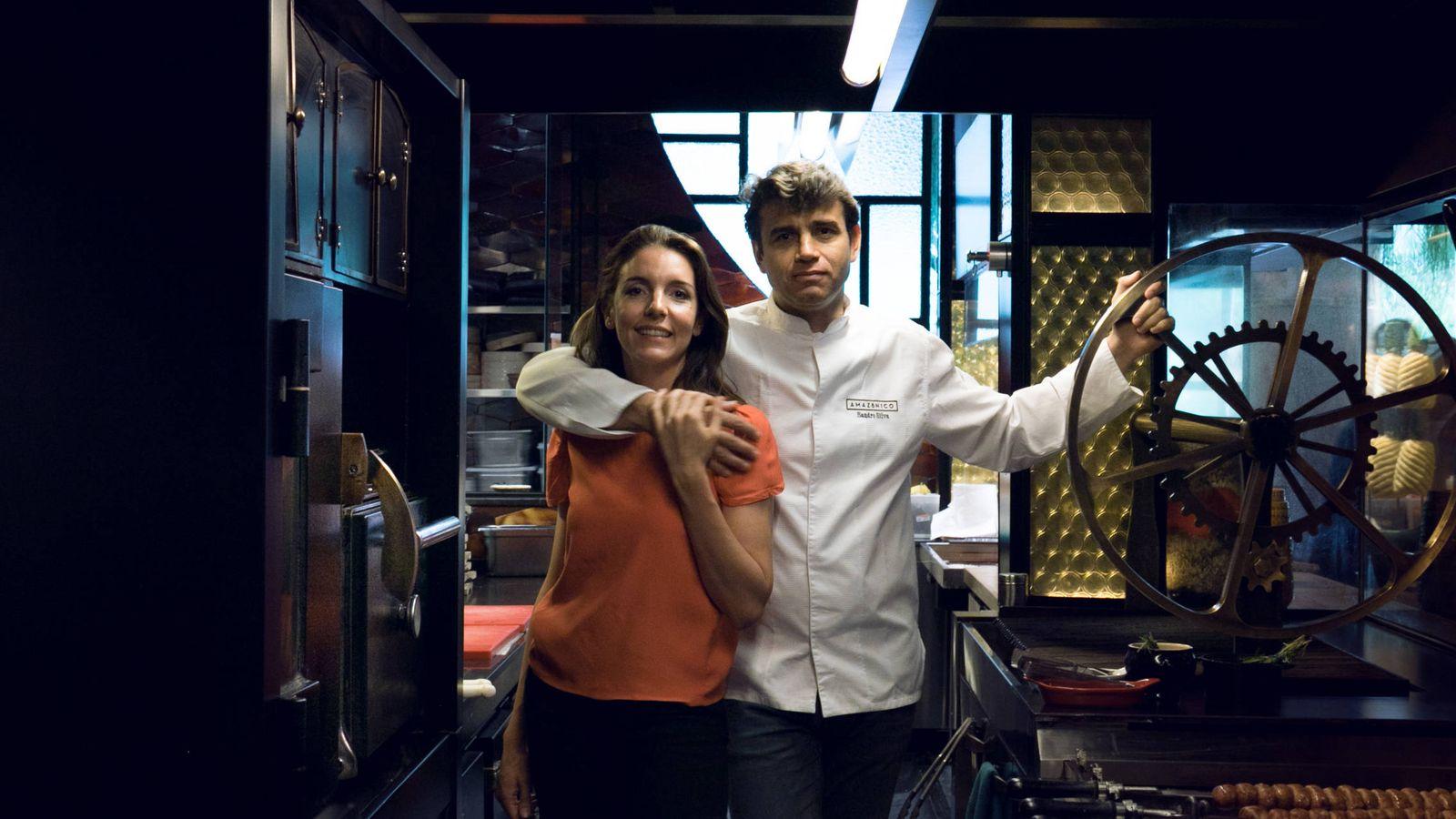 Foto:  Sandro Silva y Marta Seco, los dueños de los restaurantes El Paraguas, Ten con Ten, Ultramarinos Quintín y Amazónico. (EC)