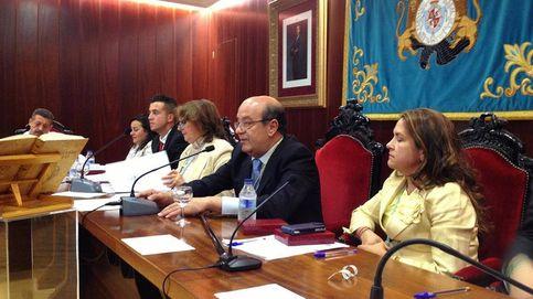 Lío en la villa de Felipe II: El PP pacta con Unidas Podemos bajo la amenaza de Vox