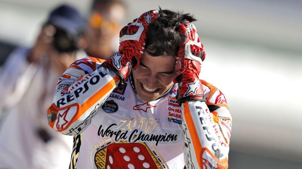 Foto: Marc Márquez tras proclamarse por cuarta vez campeón de MotoGP. (EFE)