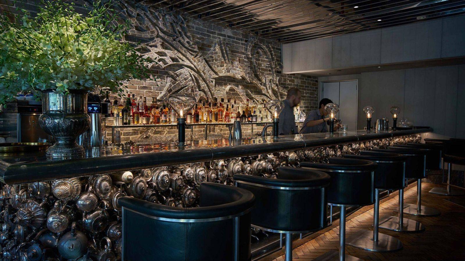 Foto: Bar en el '1880 Club' en Singapur.