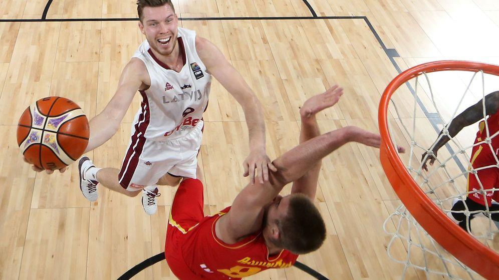 Foto: Letonia jugará contra Eslovenia en cuartos de final. (EFE)