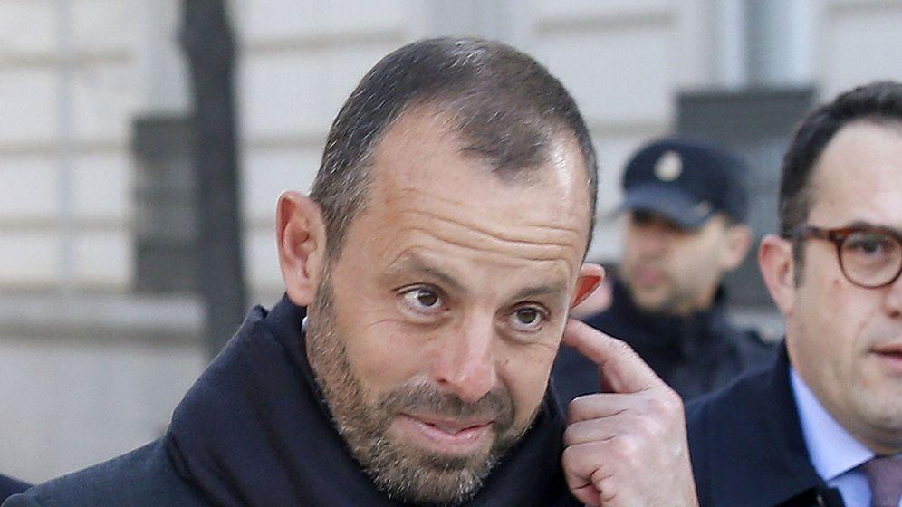 Foto: Sandro Rosell, pensativo, en una de sus últimas viistas a los juzgados. (EFE)