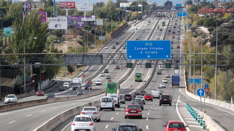 Foto: Tráfico a la salida de Madrid. (EFE)