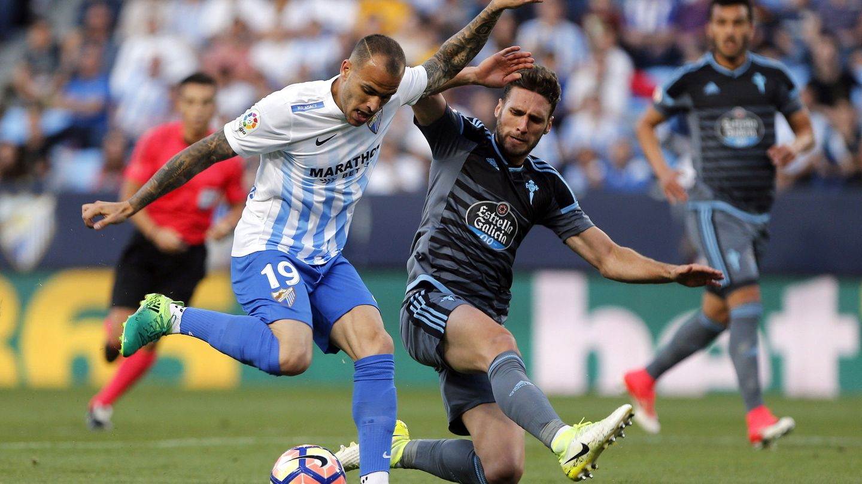 Sandro Ramírez, exjugador del Málaga CF, en un encuentro de la pasada temporada (EFE).