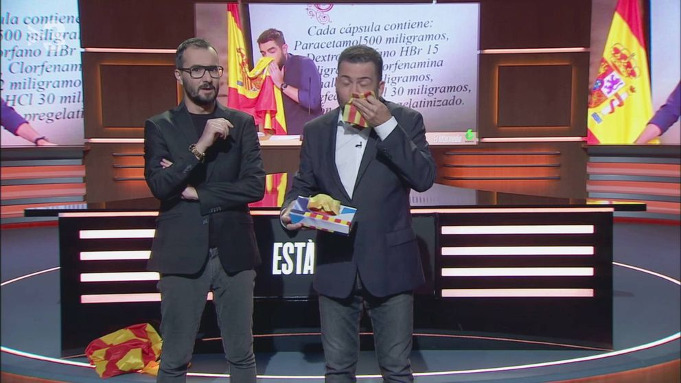 Toni Soler imita a Dani Mateo en TV3 y se suena la nariz con la senyera