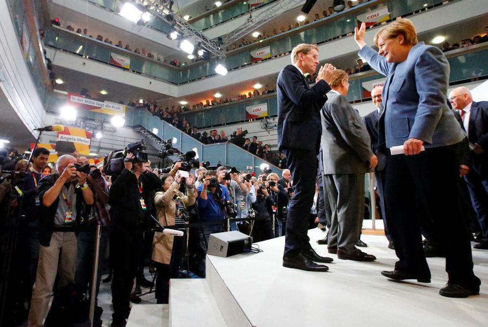 Foto: La canciller Angela Merkel, tras su comparecencia al difundirse los resultados de las elecciones generales. (Reuters)