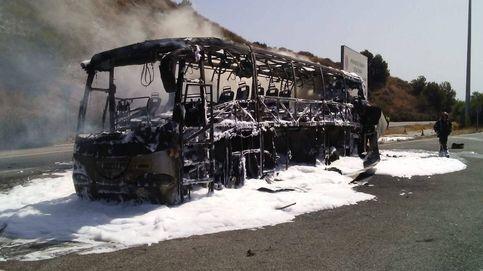 Se incendia en Mijas (Málaga) un autobús con al menos 45 pasajeros, sin causar heridos