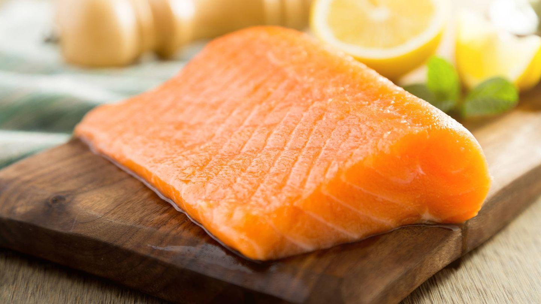 El salmón es caro, pero merece la pena. (iStock)