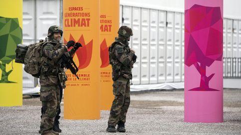 La nueva protesta artística desafía a la policía en las calles de París