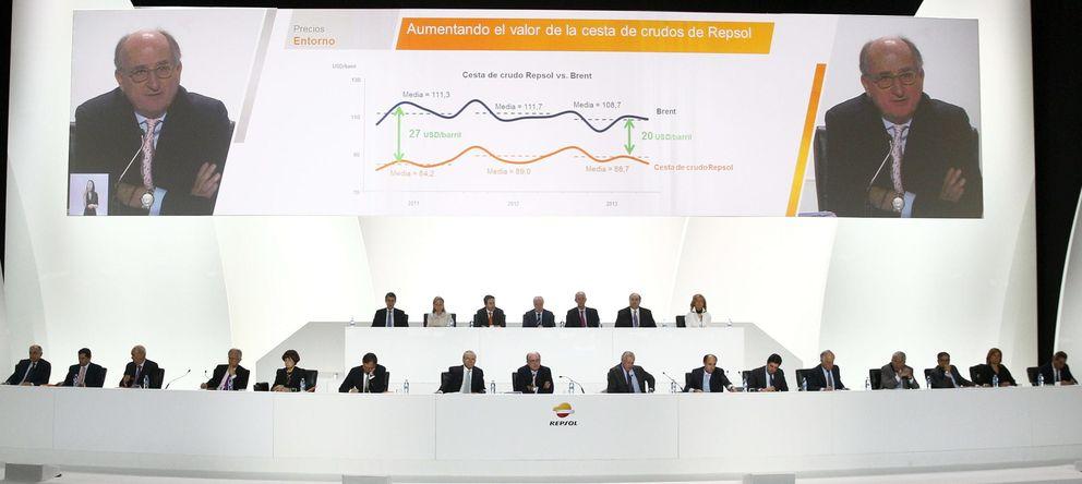 Foto: Vista general durante la intervención del presidente de Repsol, Antonio Brufau, en la junta general de accionistas. (EFE)