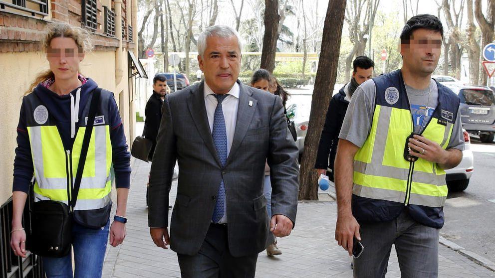 Cargos de La Caixa y el Sabadell señalan a Pineda como responsable de la extorsión