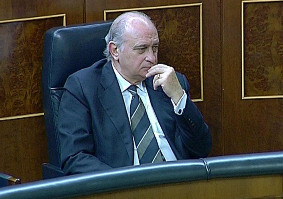 Foto: Imagen tomada de televisión del ministro del Interior, Jorge Fernández Díaz. (EFE)