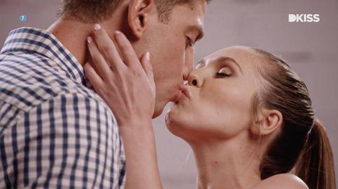 'Kiss Bang Love' o cómo buscar pareja metiéndole la lengua en su boca