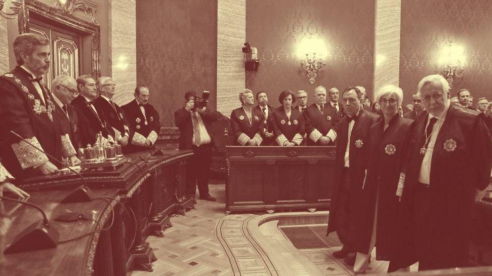 Foto: Un acto presidido por el presidente del Tribunal Supremo y el Consejo General del Poder Judicial (CGPJ), Carlos Lesmes, en el Tribunal Supremo. (EFE)