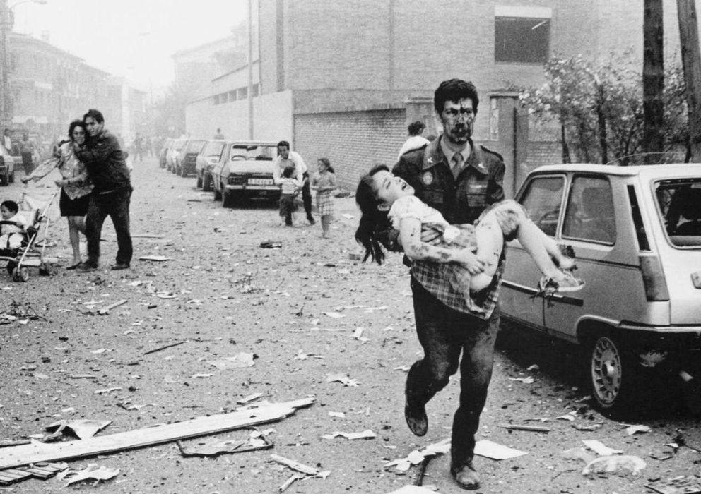 Foto: Fotografía de archivo del atentado contra la casa cuartel de Vic.