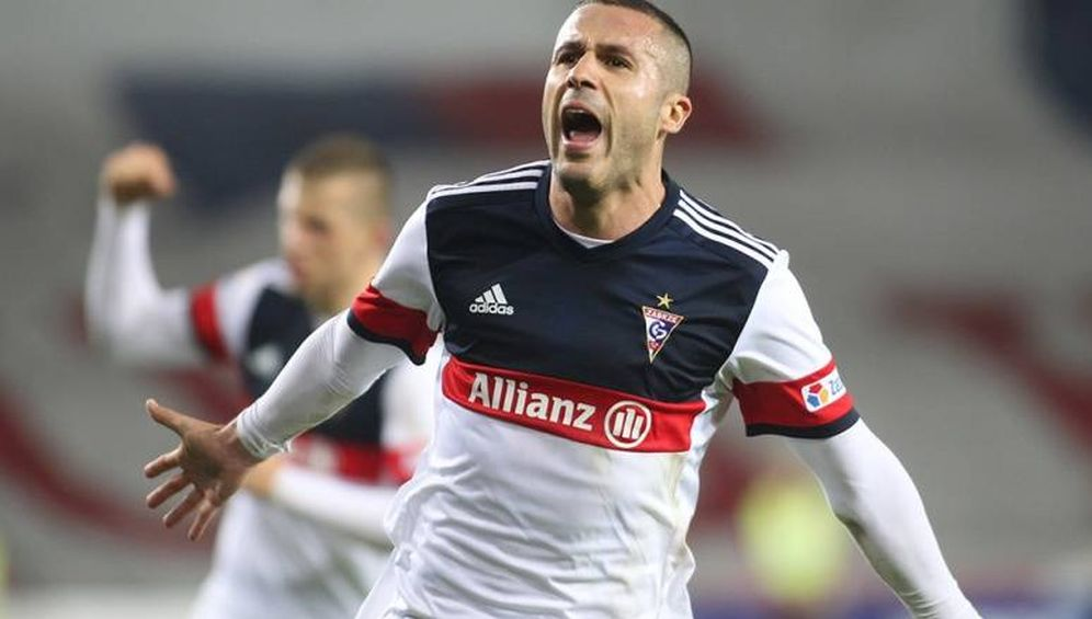Foto: Igor Angulo celebra un gol marcado con el Górnik Zabrze. (FOTO: www.gornikzabrze.pl)