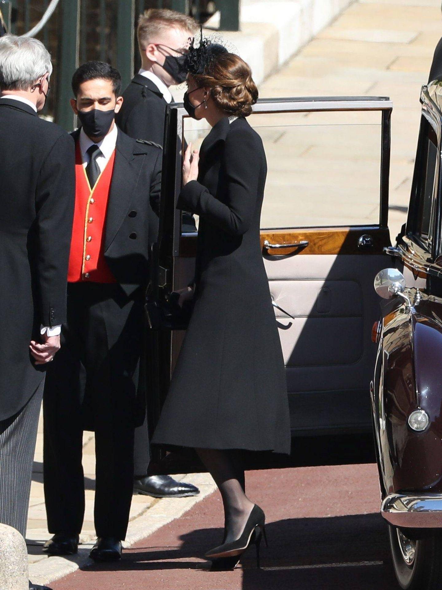 La duquesa de Cambridge, a la llegada a la capilla de San Jorge. (Cordon Press)