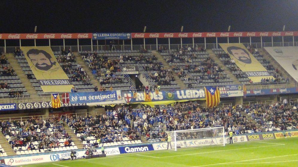 Foto: Pancartas por la libertad de 'los Jordis' en Lleida (Plataforma Pro Seleccions Esportives Catalanes)