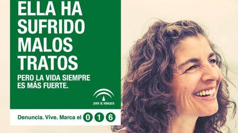 Las 'maltratadas sonrientes' de la Junta: de anunciar dentista al cartel contra la violencia
