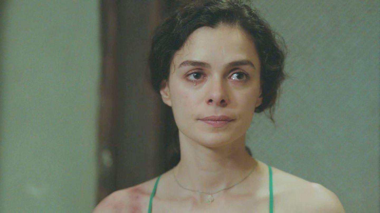 Bahar, personaje interpretado por la actriz turca Özge Özpirinçci. (Atresmedia)
