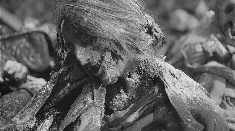 Foto: El cadáver de una vecina de Dresde, carbonizado. (Archivo)
