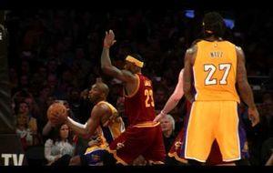 Lo mejor del duelo entre Kobe Bryant y LeBron James a cámara lenta