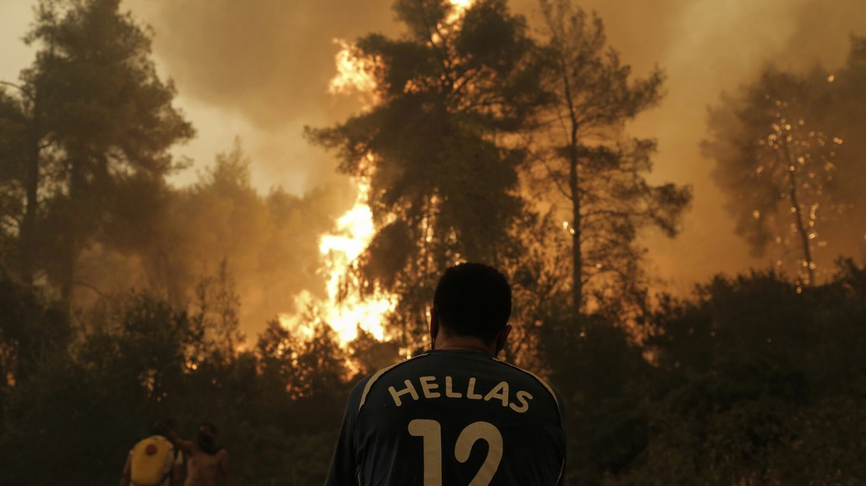 El fuego esta arrasando los bosques de Grecia. (EFE)