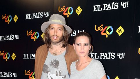 Ana Fernández posa por primera vez con su chico, el músico Adrián Roma