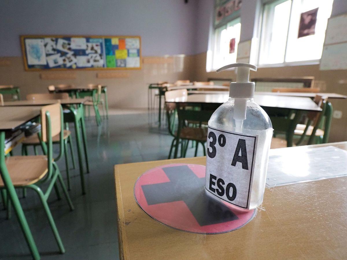 Foto: Un aula vacía de un colegio de Valladolid (EFE)