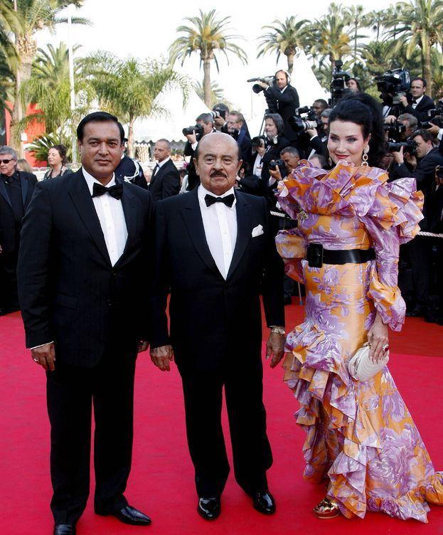 Foto: Adnan Khashoggi con su segunda esposa, Lamir, en Cannes. (EFE)
