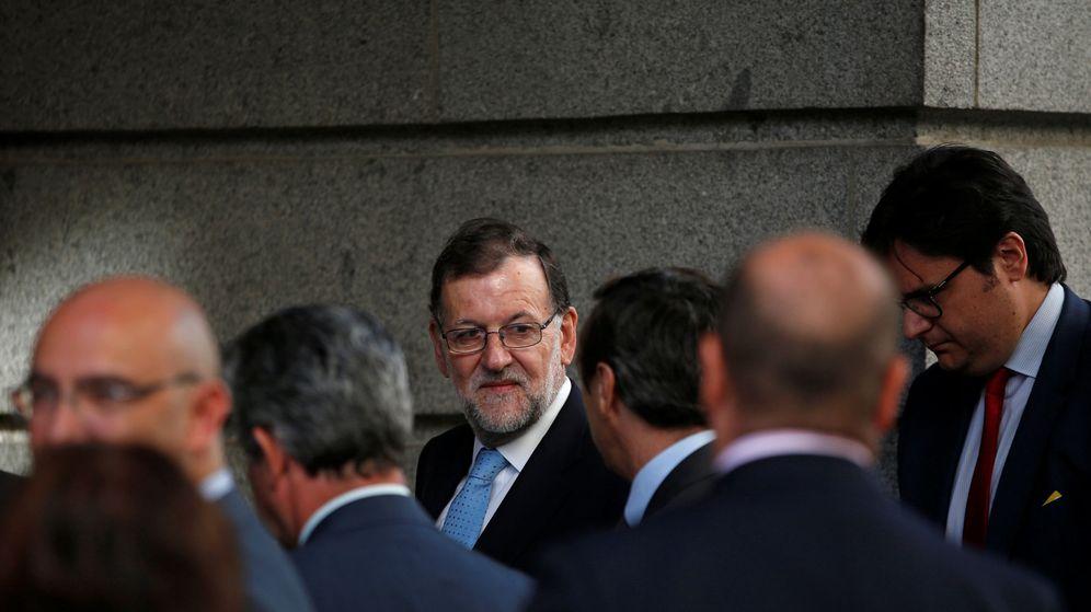 Foto: El presidente del Gobierno en funciones, Mariano Rajoy, a su llegada al Congreso de los Diputados. (Reuters)