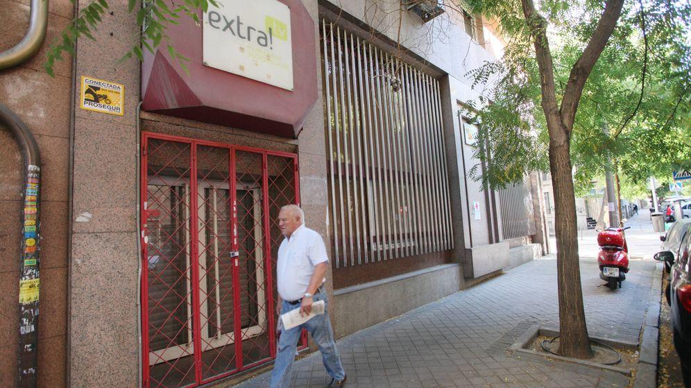 Foto: Puerta principal de la nueva sede central de Vox, este martes. (Enrique Villarino)