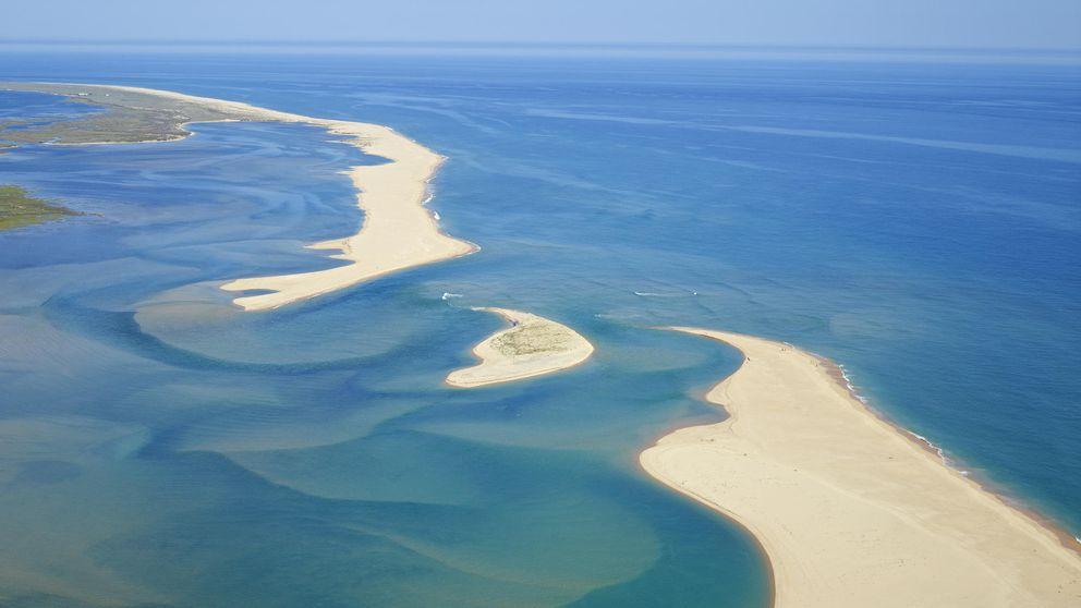 Algarve, pueblos blancos, aguas turquesas y playas infinitas