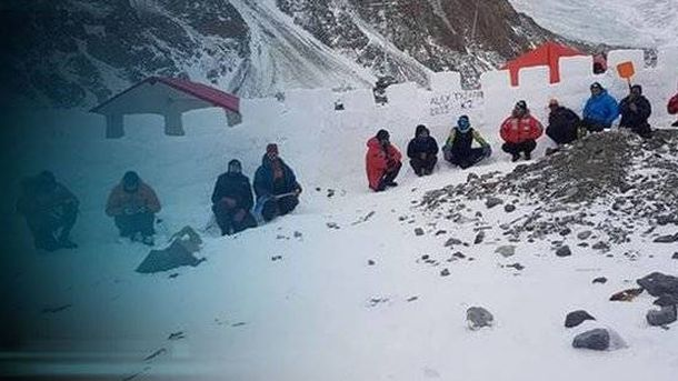 Foto: La muralla de Alex Txikon a más de 5.000 metros.