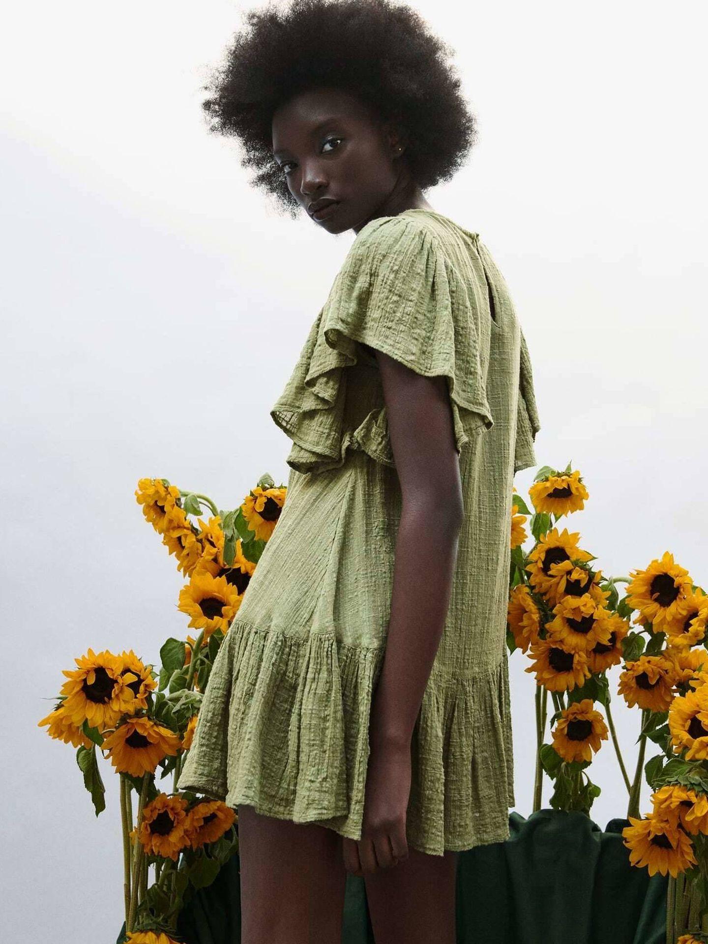 Un vestido corto de Zara. (Cortesía)