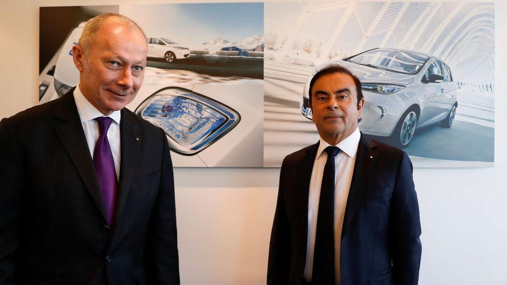 Foto: Carlos Goshn, ex presidente y CEO de Renault, y Thierry Bolloré, ex COO y ahora CEO en funciones de Renault. (Reuters)